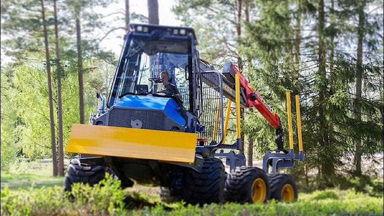 Maskin i skogen.