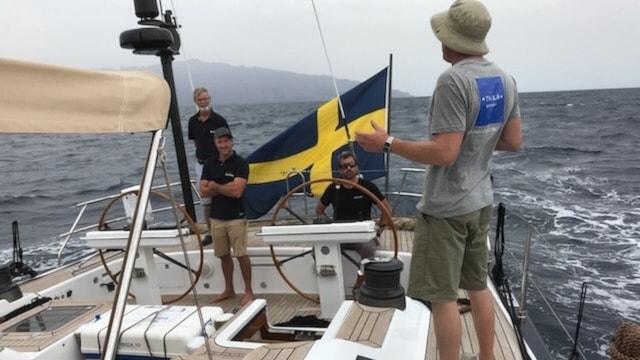 Segelbåten som Patrik Perslow och Stefan Eriksson färdas med.