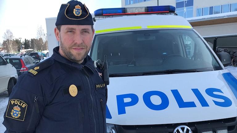 Johan Löfstedt polis i Västerbotten om Påsktrafiken