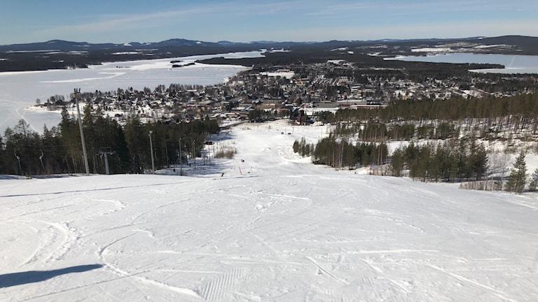 Utsikt från toppen av skidbacken i Malå.