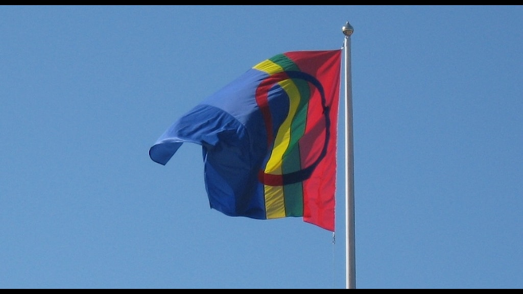 Samiska flaggan. Foto Tommy Engman/SR.