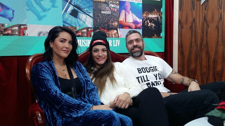 Molly Sandén, Farah Abadi och Kalle Zackari Wahlström programleder Musikhjälpen 2017