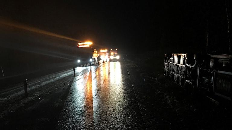 Två bussar och tre personbilar var inblandade i olyckan.