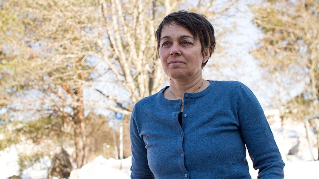 Genusforskaren Maria Strömbäck utanför radiohuset