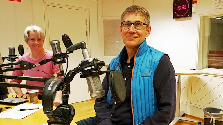 Rolf Hugosson i radiostudion