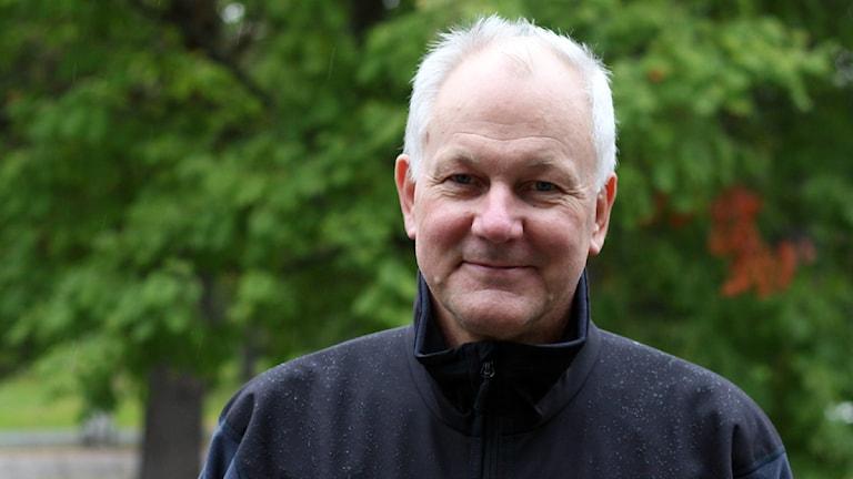 Åke Sellström  - kemvapenjägare som lägger pussel mitt i kriget