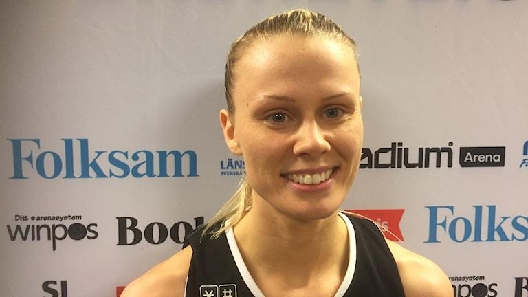 Sandra Hansson, Udominate