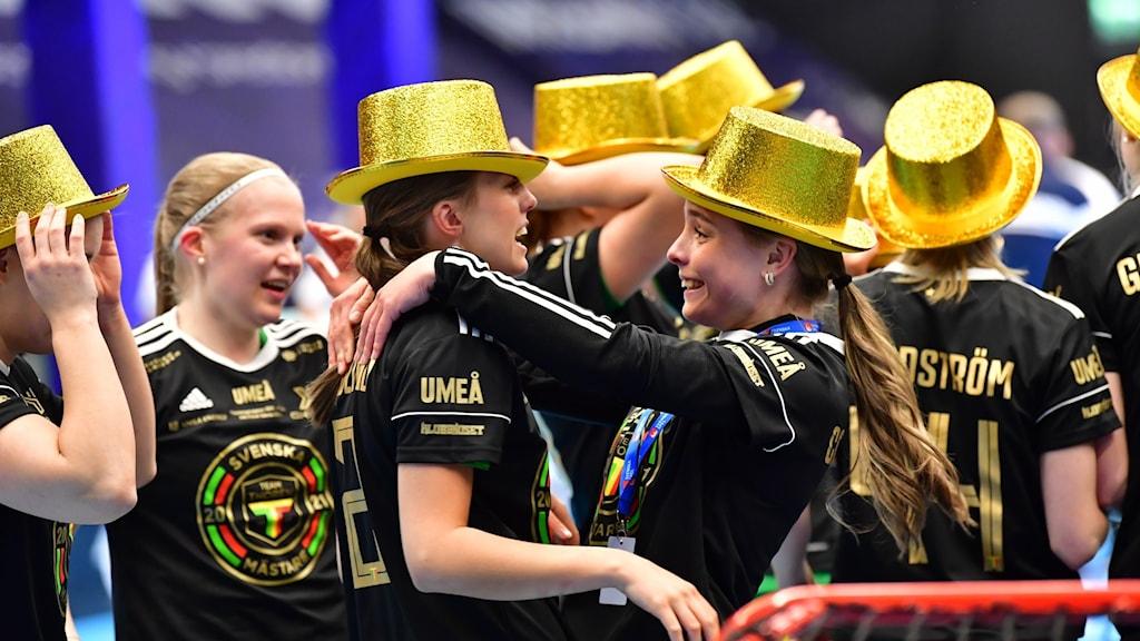 TG Umeå firar med guldhattar
