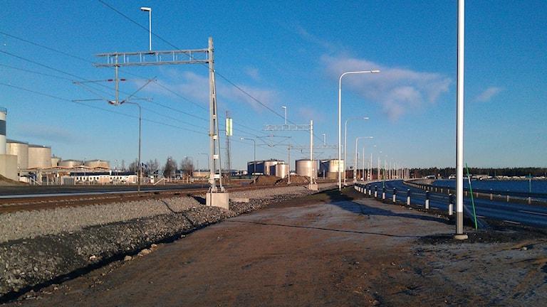 E12 som har fått ny dragning och ny vägbank. Foto: Erpo Heinolainen, Sisuradio.
