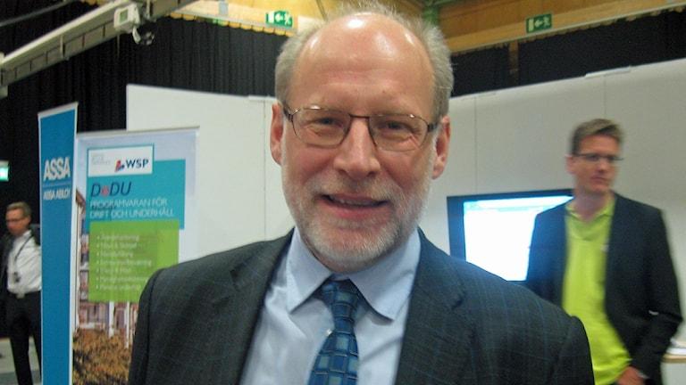 Stefan Attefall, civil- och bostadsminister. Foto: Maria Johansson/SR