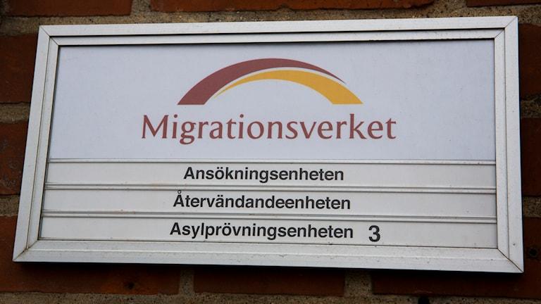 Migrationsverket skylt. Foto: Drago Prulovic / TT