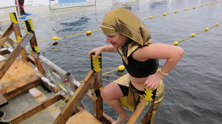 Cleopatra deltar i vintersimmet