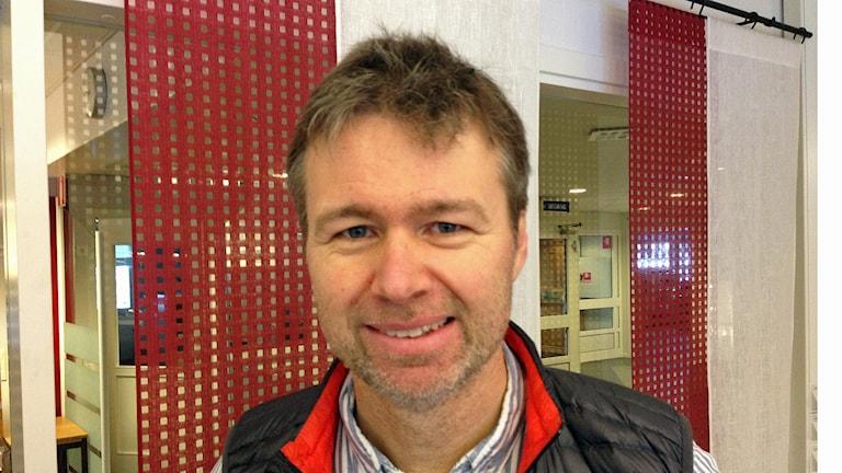 Landstingets smittskyddsläkare Stephan Stenmark. Foto: Erica Dahlgren/SR