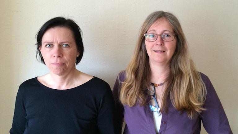 Busschaufförerna Camilla Ingman och Anna-Karin Vänman kräver förbundsledningens i Kommunal omedelbara avgång. Foto: Lennart Odhström, Sveriges Radio.