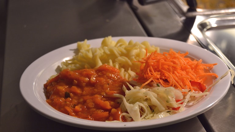 Pasta med vegetarisk gryta. Foto: Sveriges Radio.