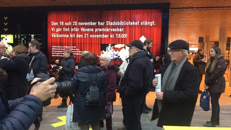 Rusning in till Kulturväven när den invigdes. foto:Anders Wikström/SR