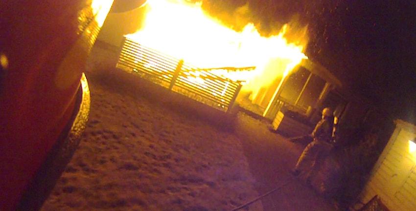 Altan förstörd i brand på Morö Backe. Foto Räddningstjänsten i Skellefteå.