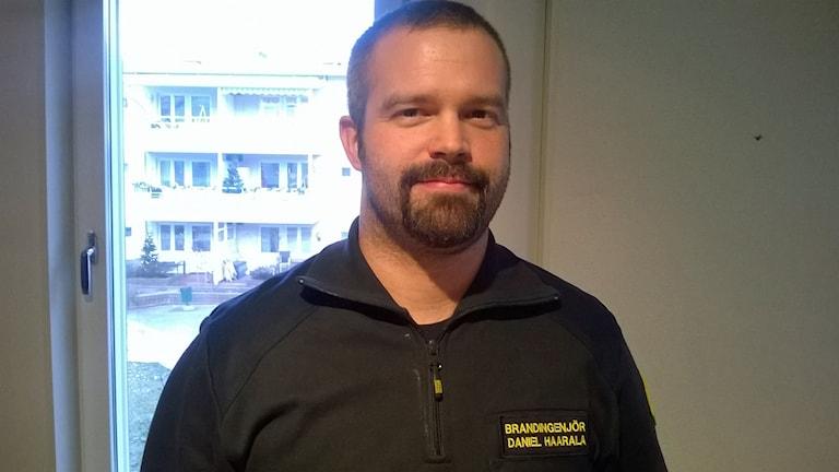Daniel Haarala Brandingenjör Foto Åza Meijer SR