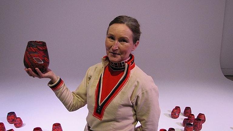 Monica L Edmonson, glaskonstnär Tärnaby. Foto: Anna Sunna/Sveriges Radio Sameradion