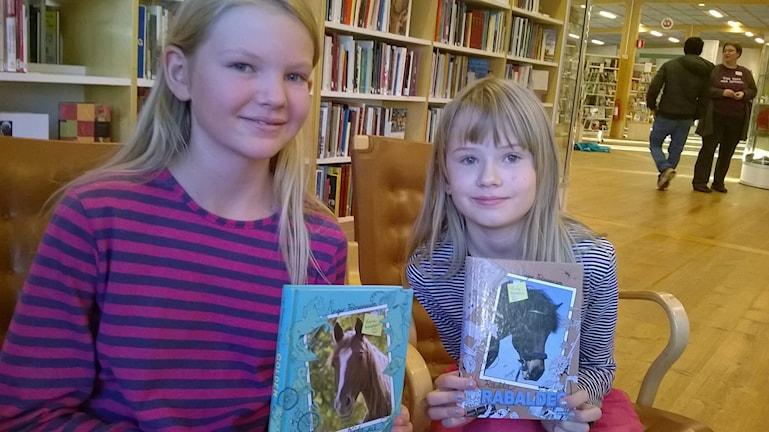 Ann-Katrin Gaw och Ebba Rönnholm Foto Åza Meijer