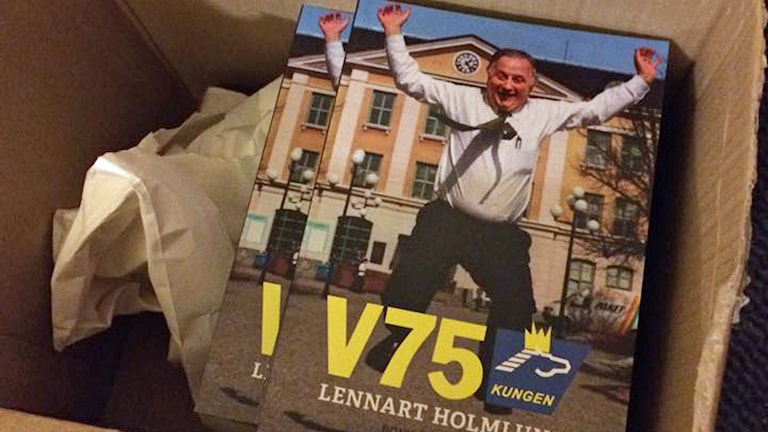 Boken Lennart Holmlunds bästa bloggar. Foto: Johannes Klenell.