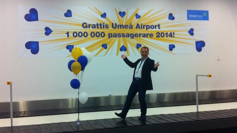 B-O Lindgren är glad över den miljonte passageraren. Foto: Joakim Silverdal/SR.