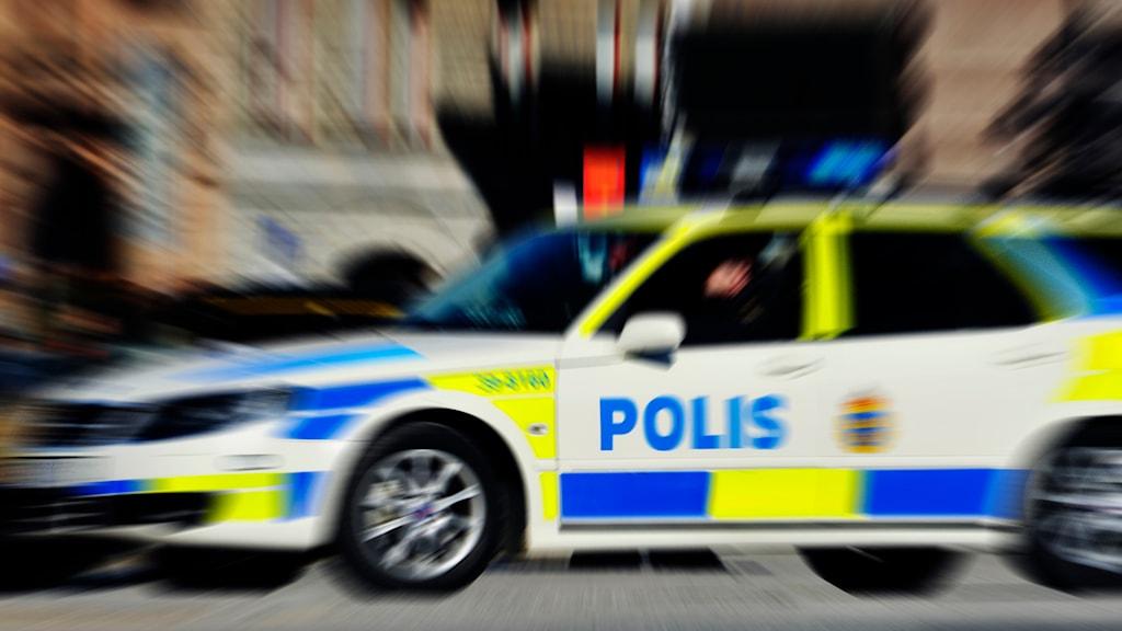 Polisbil under utryckning. Foto: Hasse Holmberg/TT