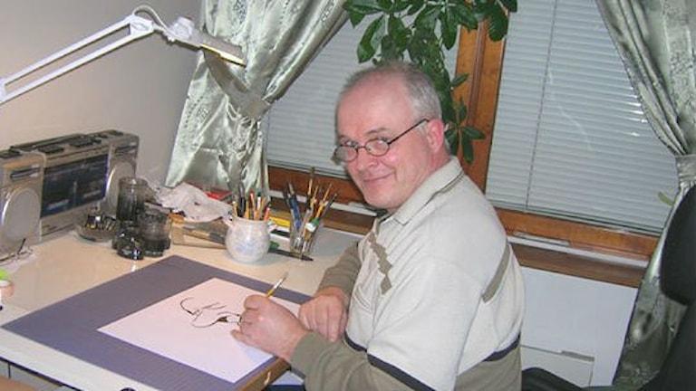 Tecknar-Olle Johansson i Skellefteå. Foto: Privat