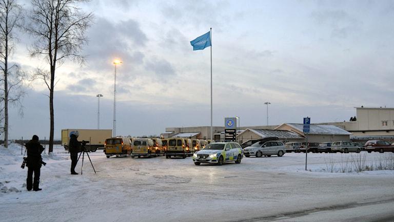 Avspärrat på postterminalen i Umeå. Foto: Anna Burén/Sveriges Radio