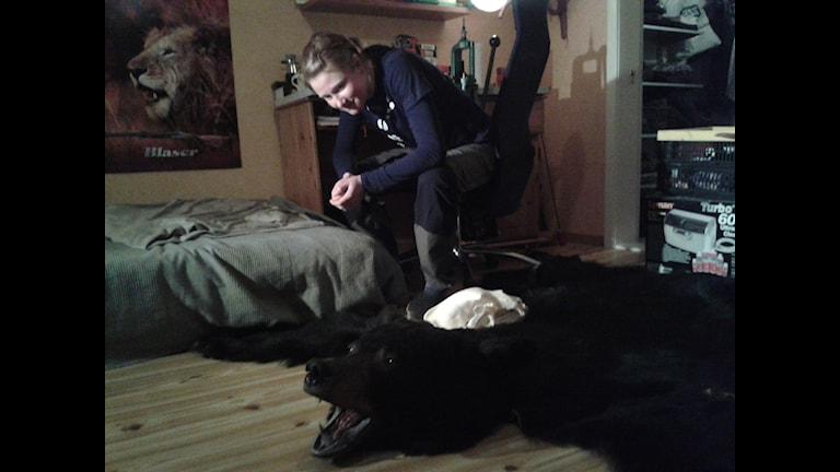 VHela Erika Bergmarks rum fylls av intresset för jakt. Foto: Linnea Hedelilja