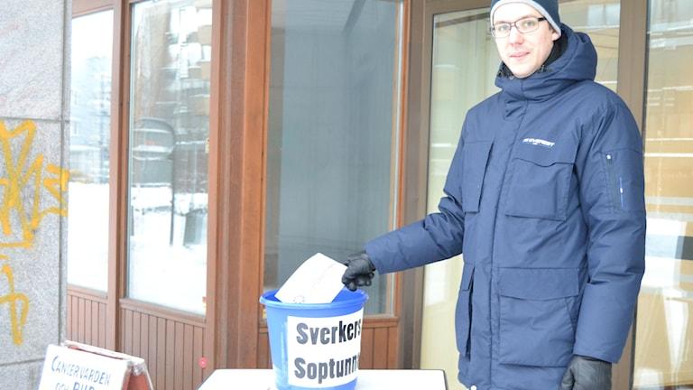 Davis Kaza från arbetarpartiet i Umeå tycker att region Västerbotten ska avvecklas. Foto: Marilén Karlsson