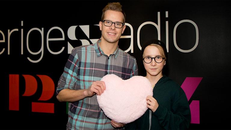 Mikael Hermansson med Zakarias Öberg. Foto: Helena Ramfjord/Sveriges Radio