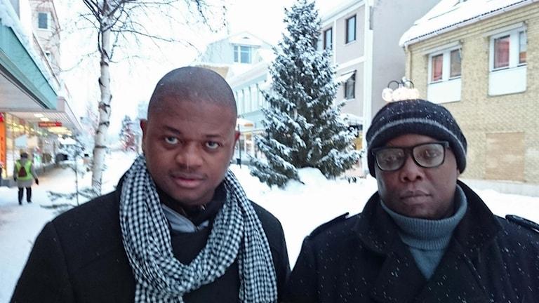 Brodern Emanuel Mani och Mohamed Joseph, ordförande Afrikanska föreningen.