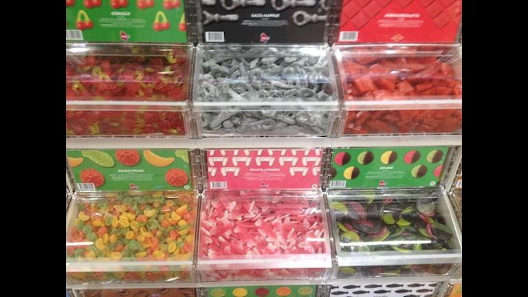 Många ton godis säljs under påskhelgen Foto: Filippa Armstrong/SR Västerbotten