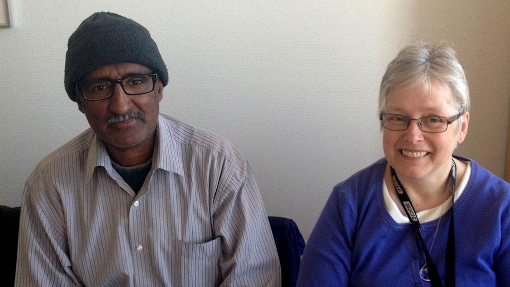 Ali och Kicki träffas för att prata och träna språket. Foto: Filippa Armstrong/Sveriges Radio
