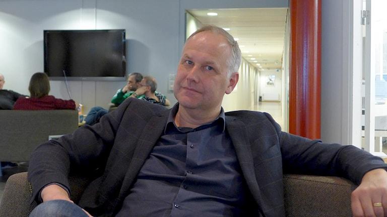 Jonas Sjöstedt på P4 Västerbotten. Foto: Helena Andersson/Sveriges Radio