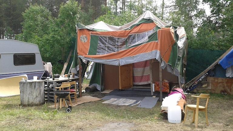 EU-migranternas läger på Klockarbäcken i Umeå. Foto: Emelie Svedjer, Sveriges Radio.