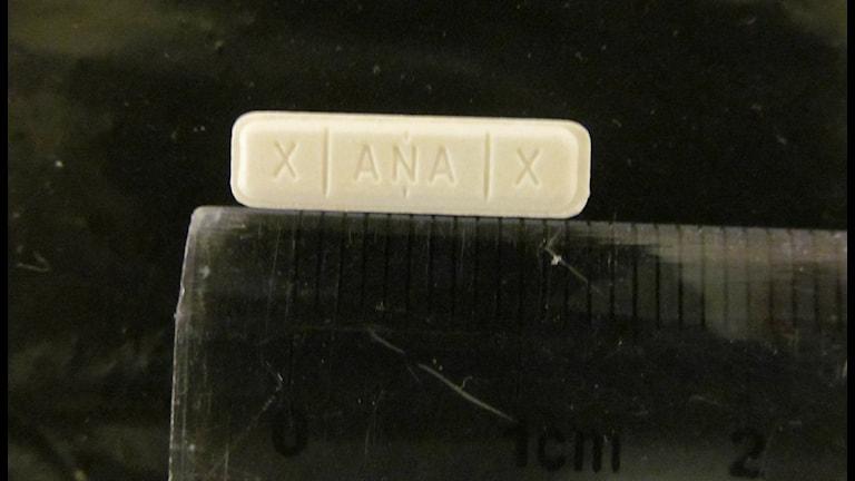 Polisen varnar för drogen Xanor-stavar som liknar läkemedlet Xanor. Foto: Polisen i Västerbotten