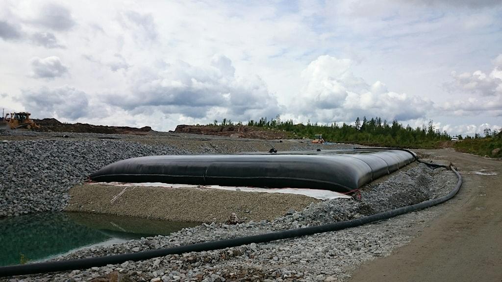 26 geotuber ska fyllas med det gifta slamet från Svärtträskgruvan