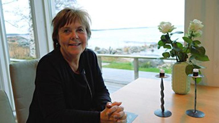Maria Lundqvist Brömster (FP) ordförande i barn- och ungdomsutskottet är inte orolig över att nedskärningarna ska drabba de svagaste barnen. Foto Per-Gunnar Eriksson/SR.