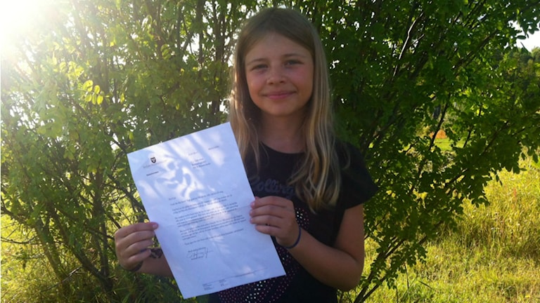 Elvaåriga Cia Söderman från Blattnicksele har fått brev av Stefan Löfven. Foto: Privat
