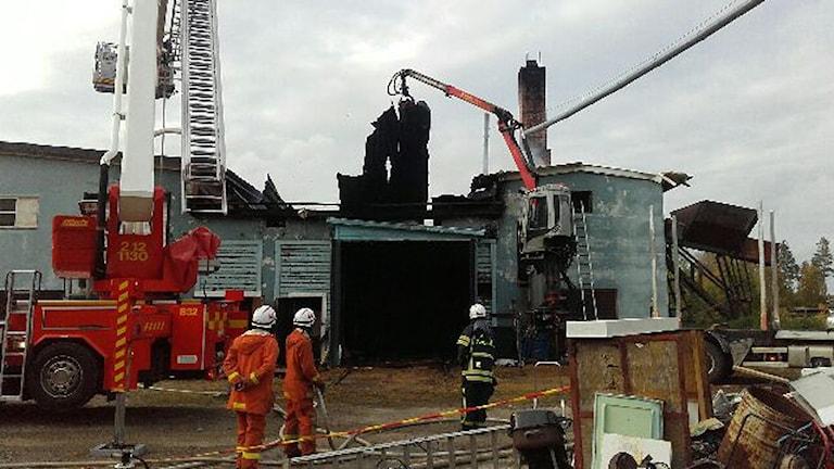 Brand i Åmsele träindustri. Foto: Marcus Forsvall/räddningstjänsten