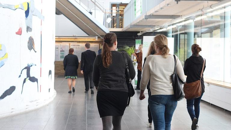 Lindellhallen, studenter, umeå universitet. Foto: Helena Andersson/Sveriges Radio