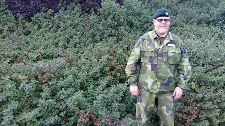 Kamouflageklädde Per Dahlsten. Foto: Linnea Hedelilja