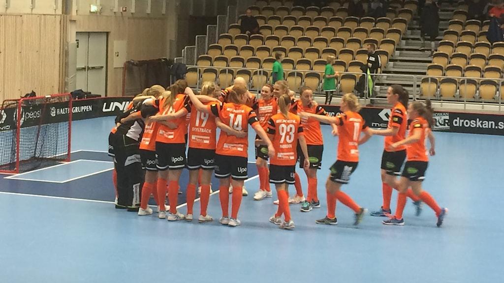 Iksu innebandy. Foto: Helena Andersson/Sveriges Radio