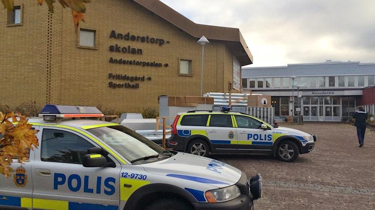 Anderstorpskolan hotad. Foto: Magnus Bergner/SR.