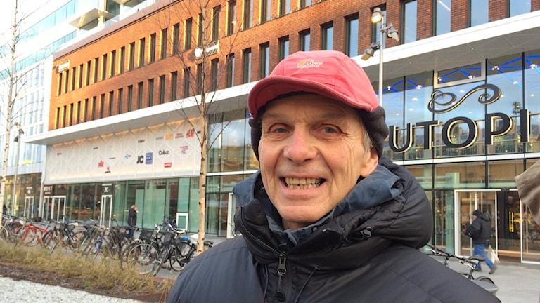 Mats Pleje, deltagare vid Meditation för fred. Foto: Lillemor Strömberg/Sveriges Radio.