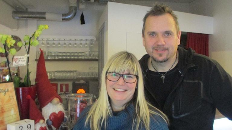 Turismföretagarna Ingela Danielsson och Anders Westlin i Saxnäs.