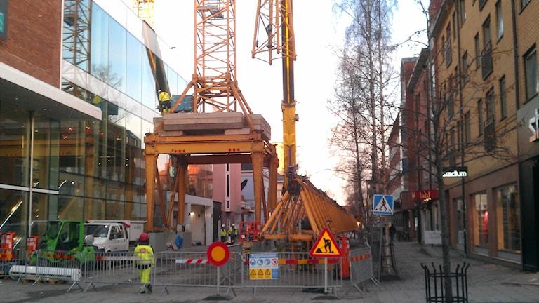 Tornkran på Vasagatan i Umeå. Foto: Peter Öberg, Sveriges Radio.
