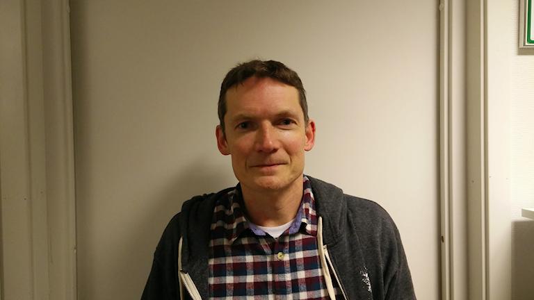 Jesper Enbom, lektor i medie- och kommunikationsvetenskap vid Umeå Universitet. Foto: Per-Gunnar Eriksson/Sveriges Radio